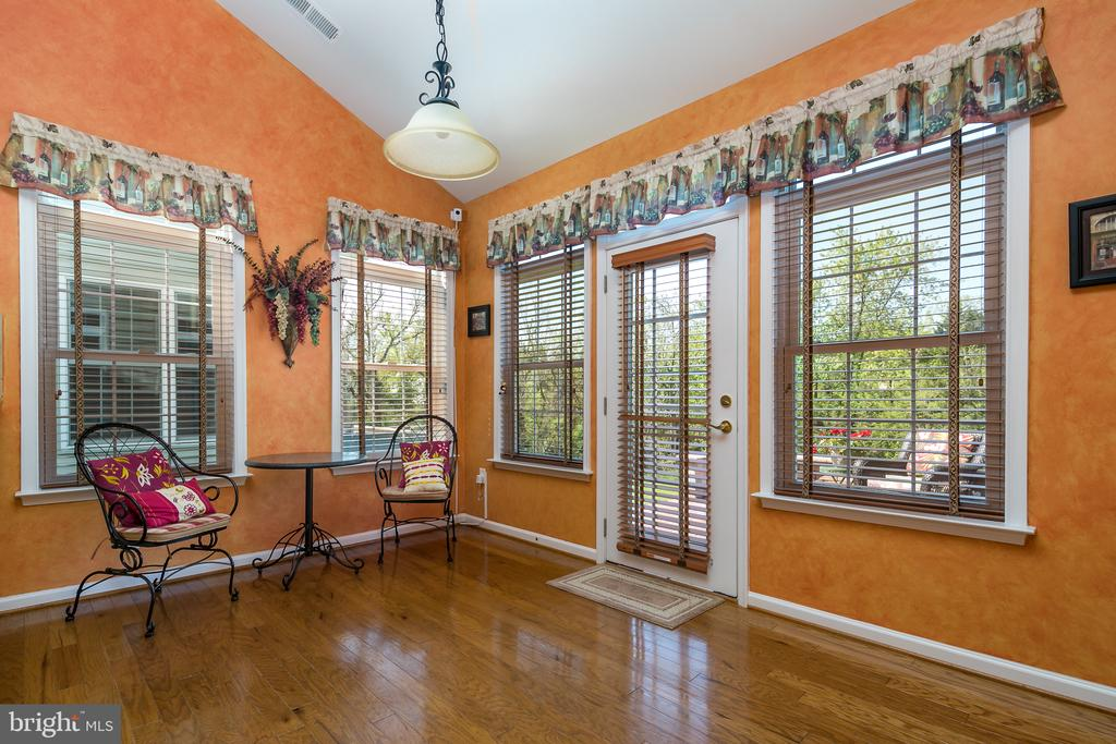 Sun /Breakfast Room leads to Outdoor Brick Patio - 20579 CRESCENT POINTE PL, ASHBURN