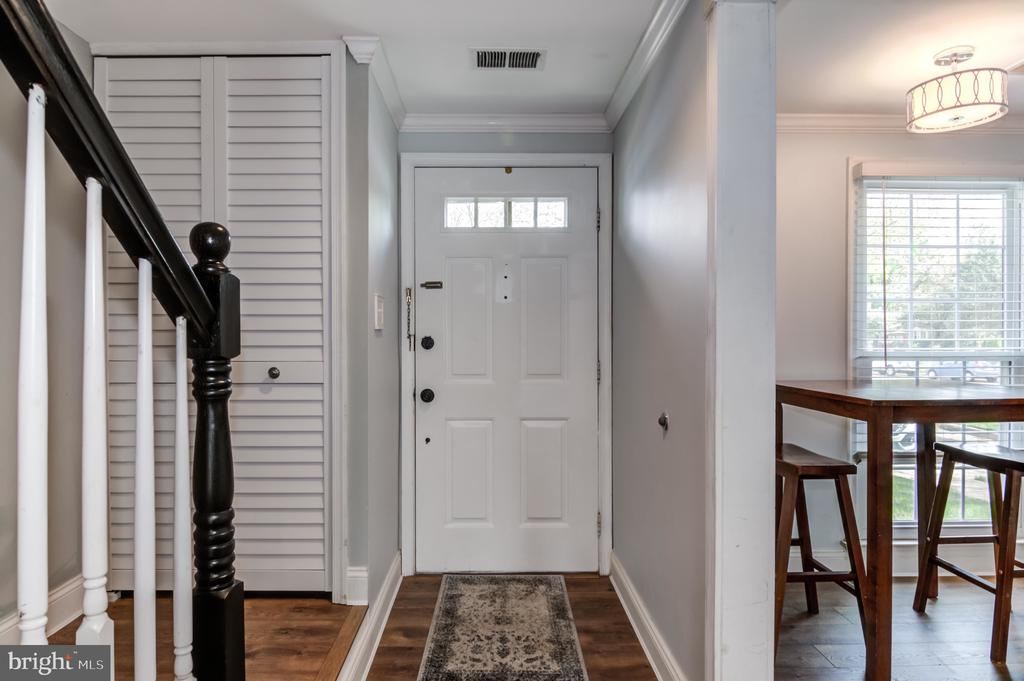 Front Door Interior - 14522 BLACK HORSE CT, CENTREVILLE