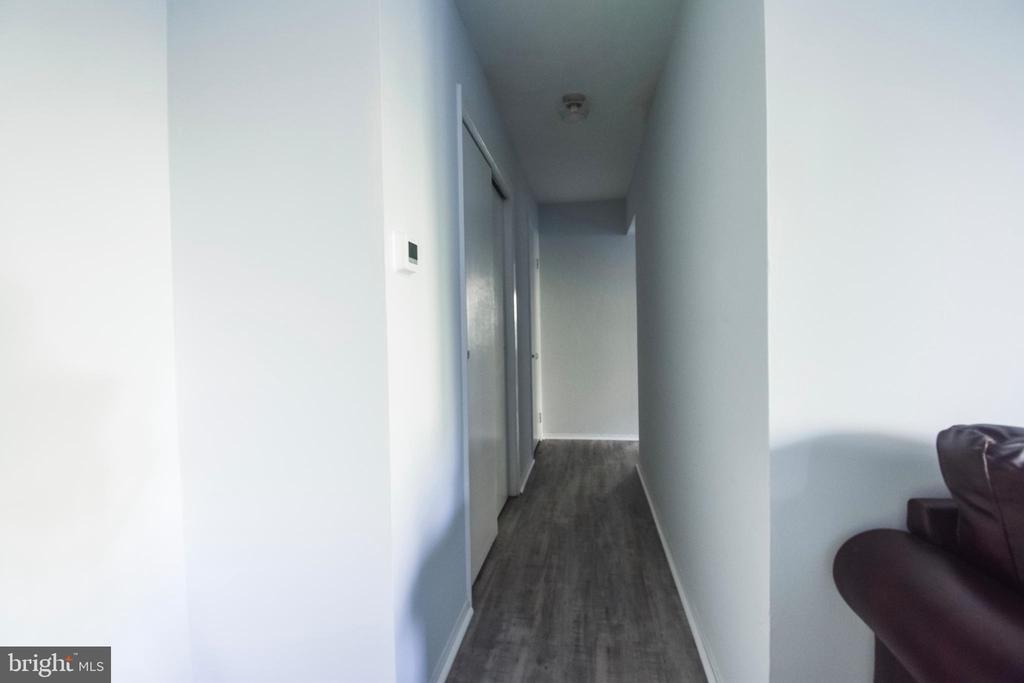 Two closets in hallway! - 3975 LYNDHURST DR #202, FAIRFAX