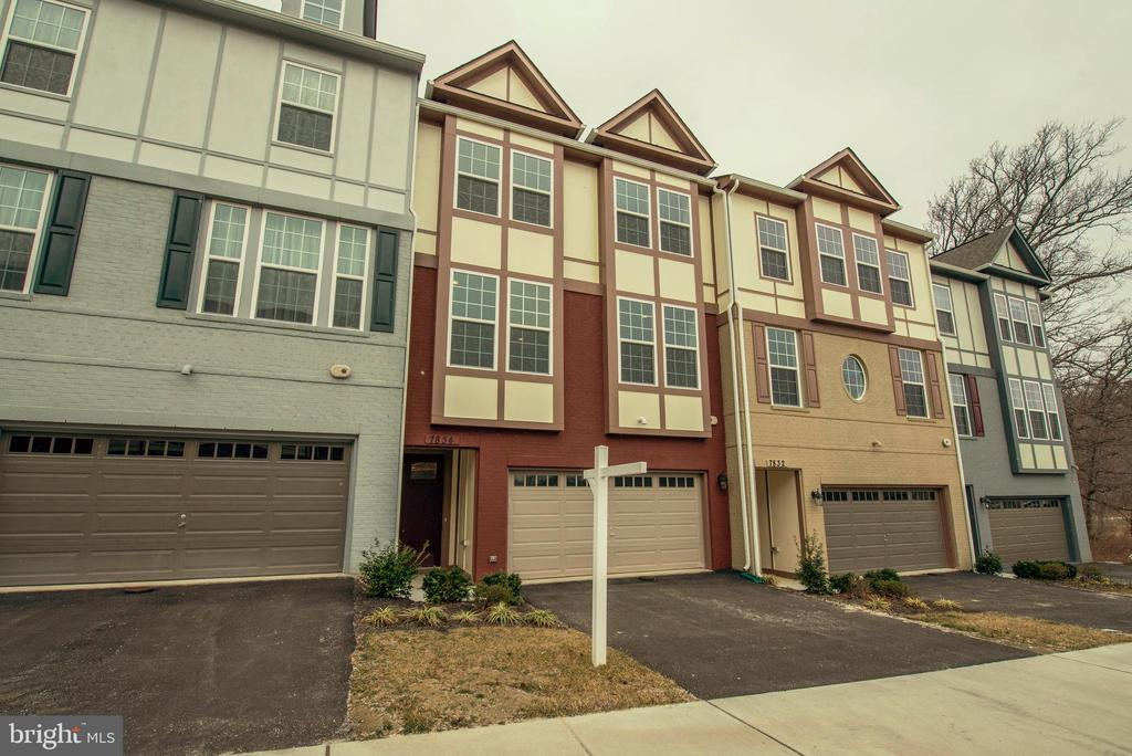 7834  OLIVET COURT, one of homes for sale in Kingstowne