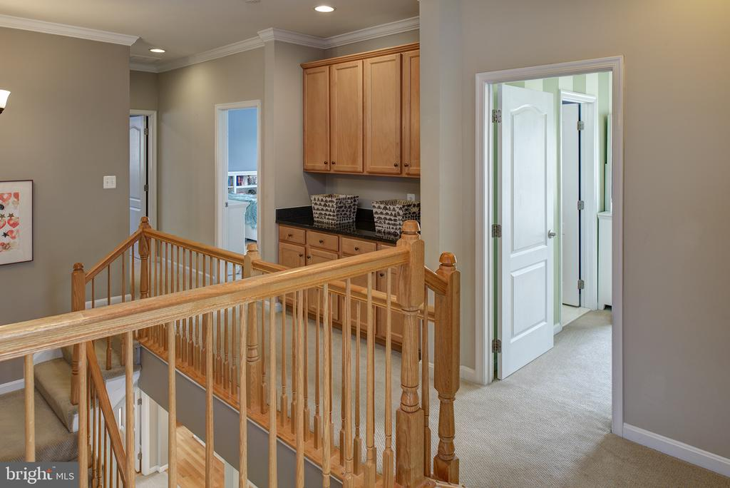 Upstairs Hallway with 2 Built In's with Granite - 43168 ALEX ST, LEESBURG