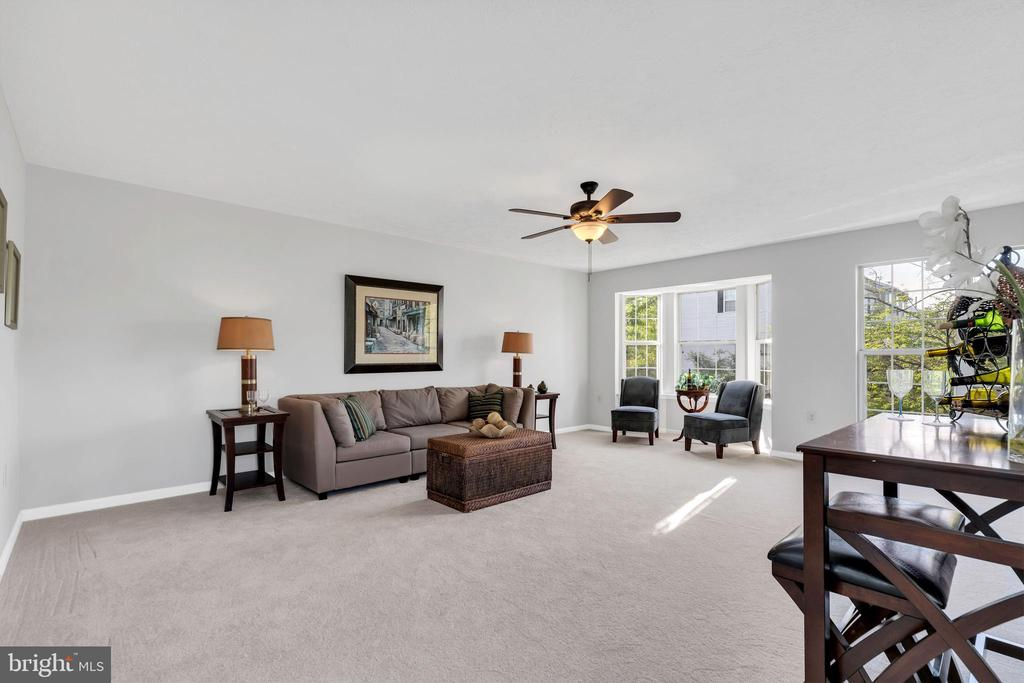 Spacious, open floor plan - 610 COBBLER TER SE, LEESBURG