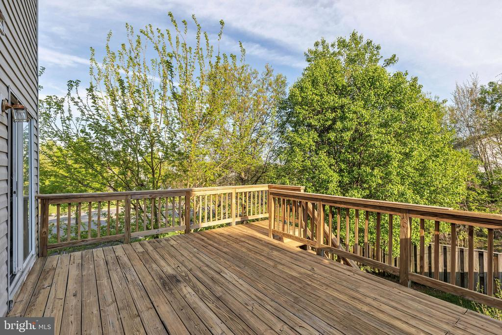 Wooded views for your enjoyment - 610 COBBLER TER SE, LEESBURG