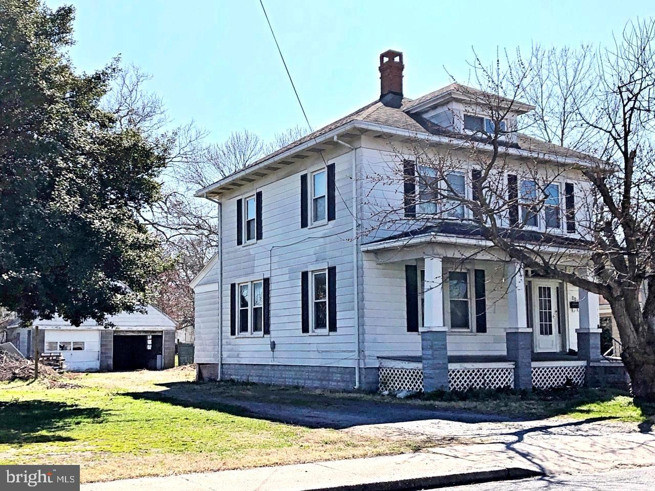 Single Family for Sale at 412 Robbins St Cambridge, Maryland 21613 United States