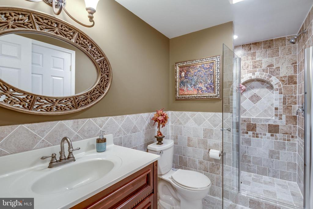 Lower Level Bath - 9539 NOORY CT, VIENNA