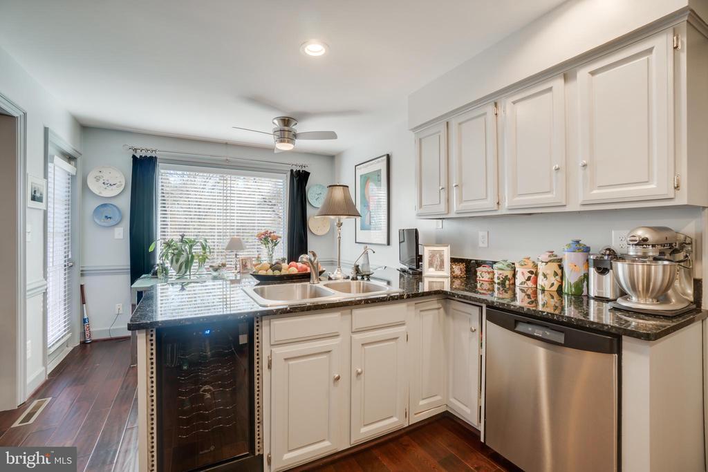 kitchen 1 - 6103 RIVER RD, FREDERICKSBURG