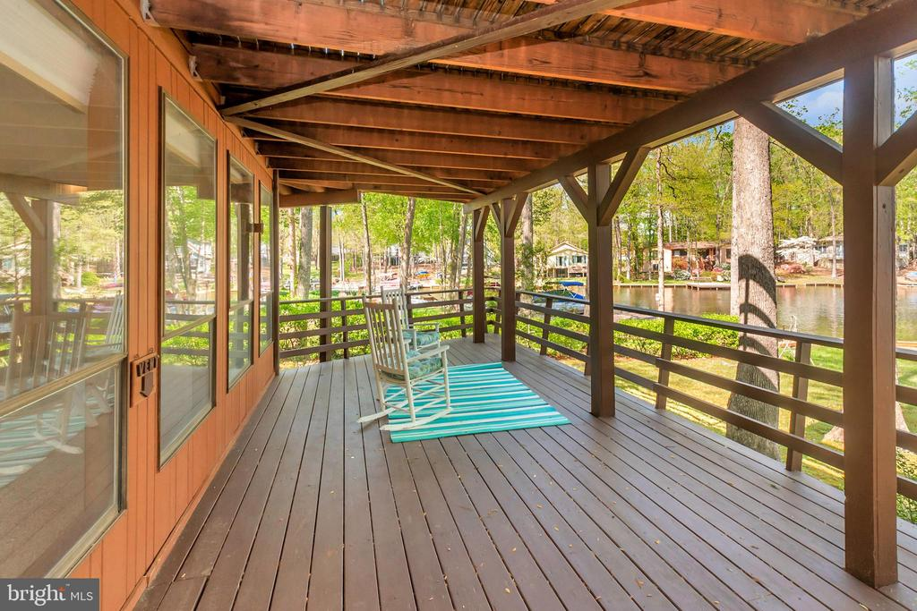 Lower Level Deck with wonderful views - 215 WAKEFIELD DR, LOCUST GROVE