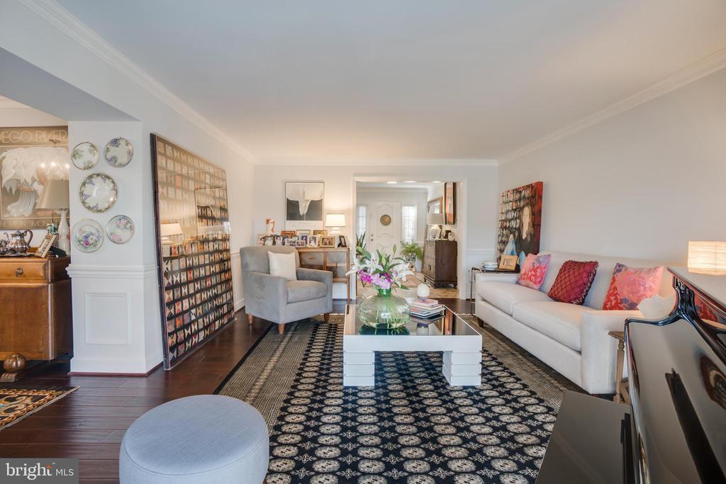 room for entertaining on main level - 6103 RIVER RD, FREDERICKSBURG
