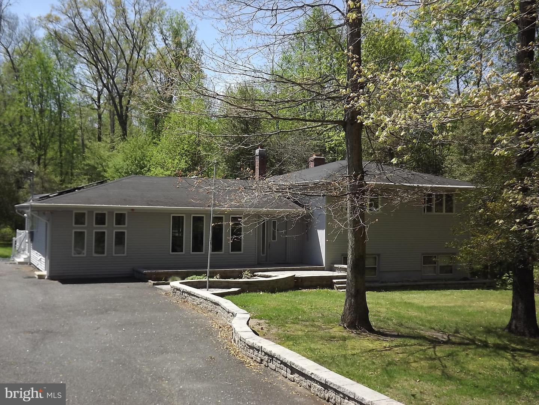 Maison unifamiliale pour l Vente à 471 ALLOWAY ALDINE Road Alloway, New Jersey 08001 États-Unis