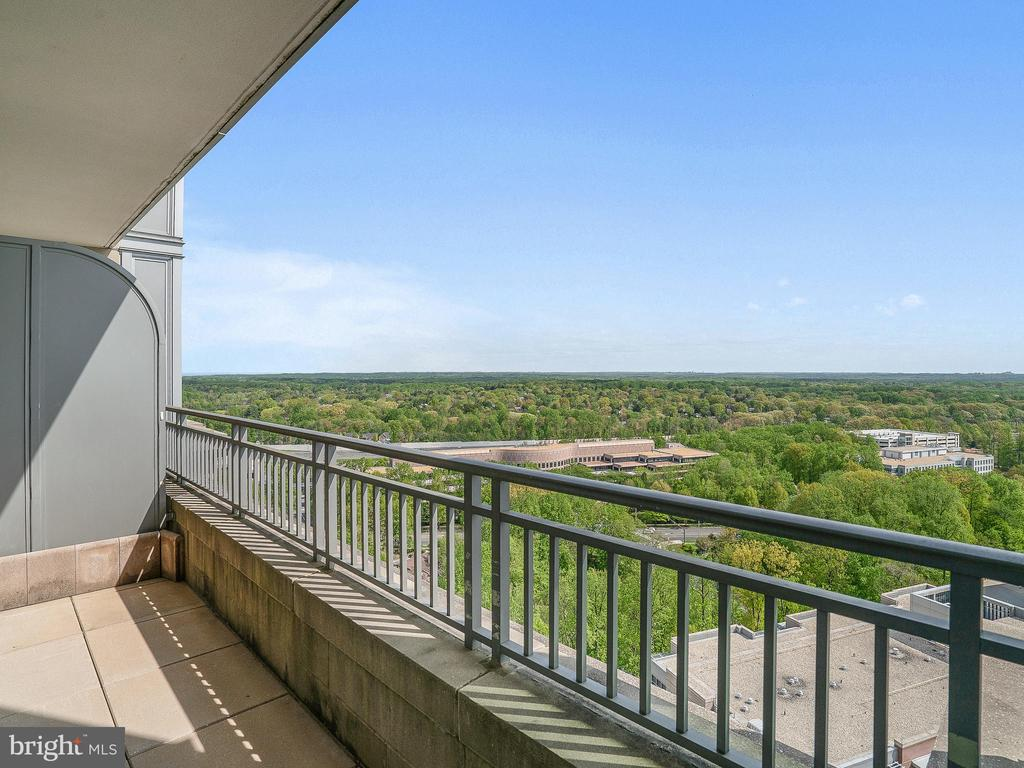 - 8220 CRESTWOOD HEIGHTS DR #1814, MCLEAN