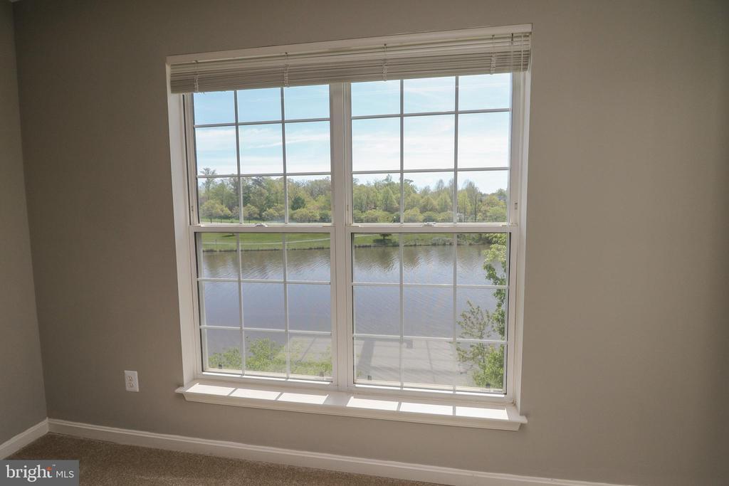 Master Bedroom with Lake Views - 25280 LAKE SHORE SQ #304, CHANTILLY