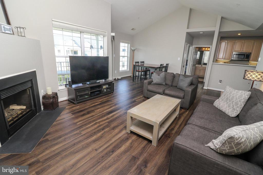 Living and Dining Rooms - 25280 LAKE SHORE SQ #304, CHANTILLY