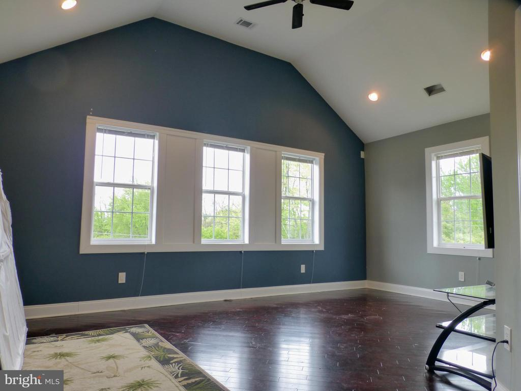 Upstairs second Bedroom w/ Vaulted Ceilings - 2621 STENHOUSE PL, DUNN LORING