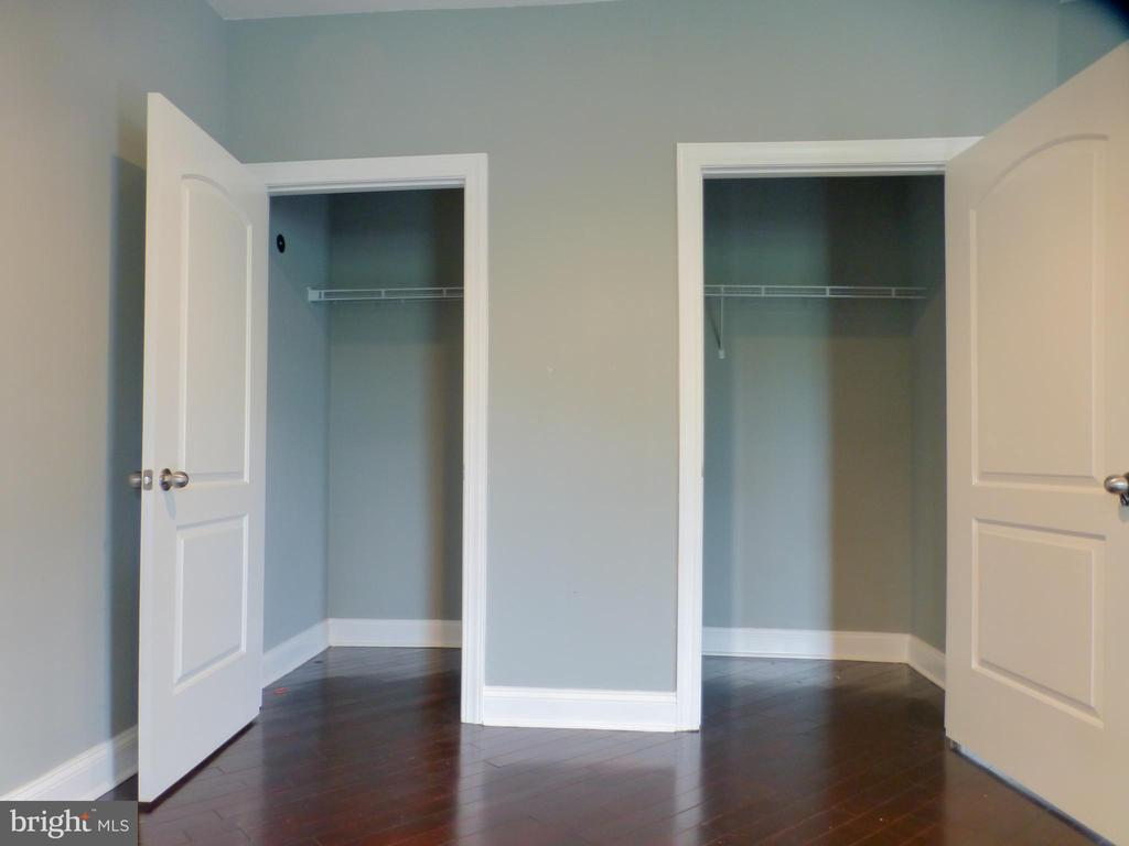 Master Closets - 2621 STENHOUSE PL, DUNN LORING