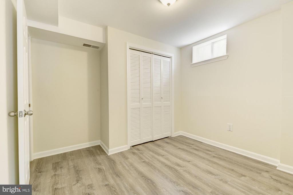 Lower Level Bedroom - 3322 OXON RUN RD SE, WASHINGTON