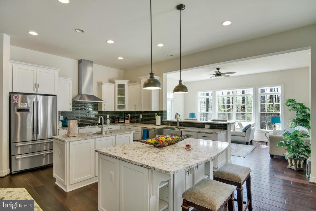 Gourmet Kitchen - 21 GLENVIEW CT, STAFFORD
