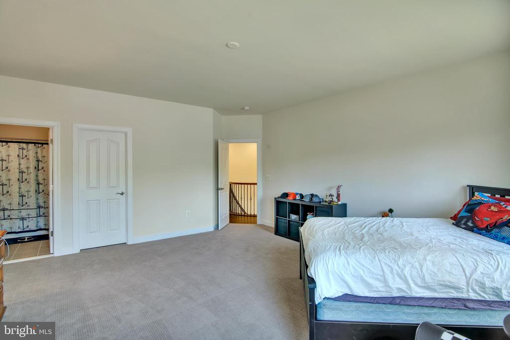 Upstairs Bedroom 2 - 21 GLENVIEW CT, STAFFORD