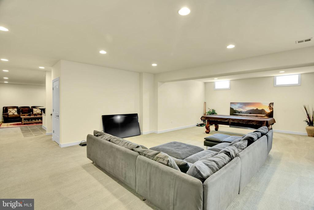 Basement recreation or living area - 21 GLENVIEW CT, STAFFORD