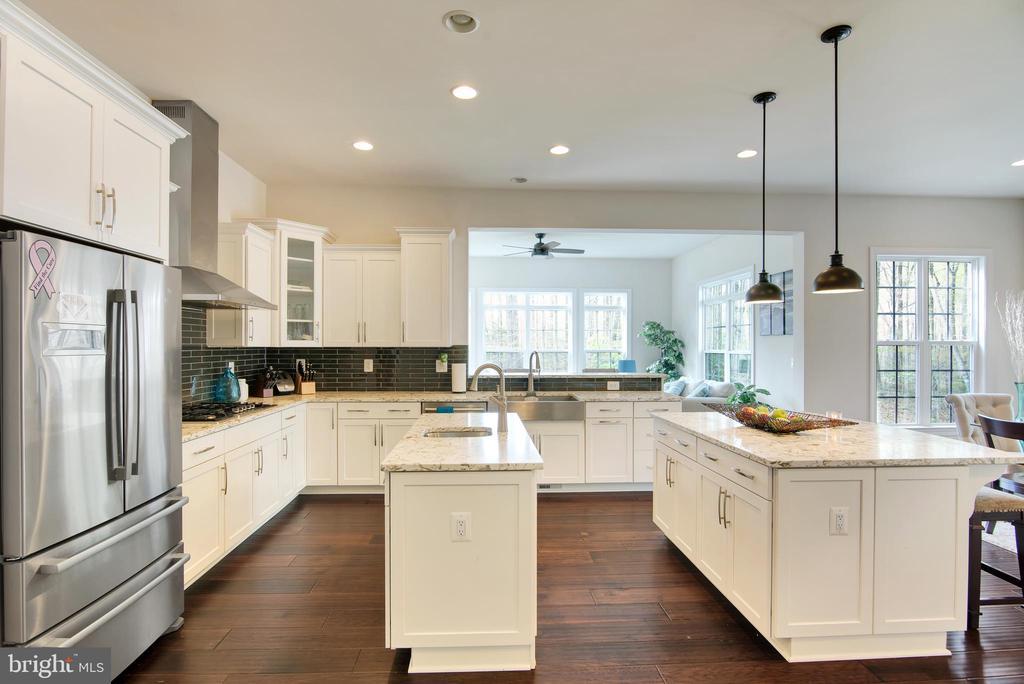 Kitchen - 21 GLENVIEW CT, STAFFORD