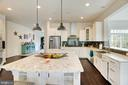 Kitchen has a farmers sink - 21 GLENVIEW CT, STAFFORD