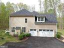 Three car garage and private parking - 21 GLENVIEW CT, STAFFORD