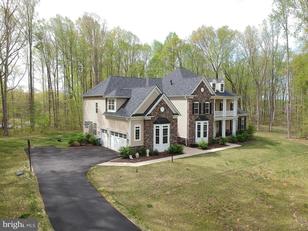 Beautiful home - 21 GLENVIEW CT, STAFFORD