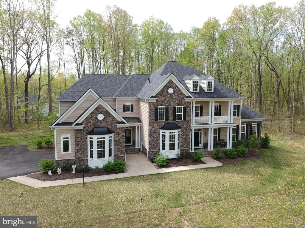 Ariel view of the front - 21 GLENVIEW CT, STAFFORD