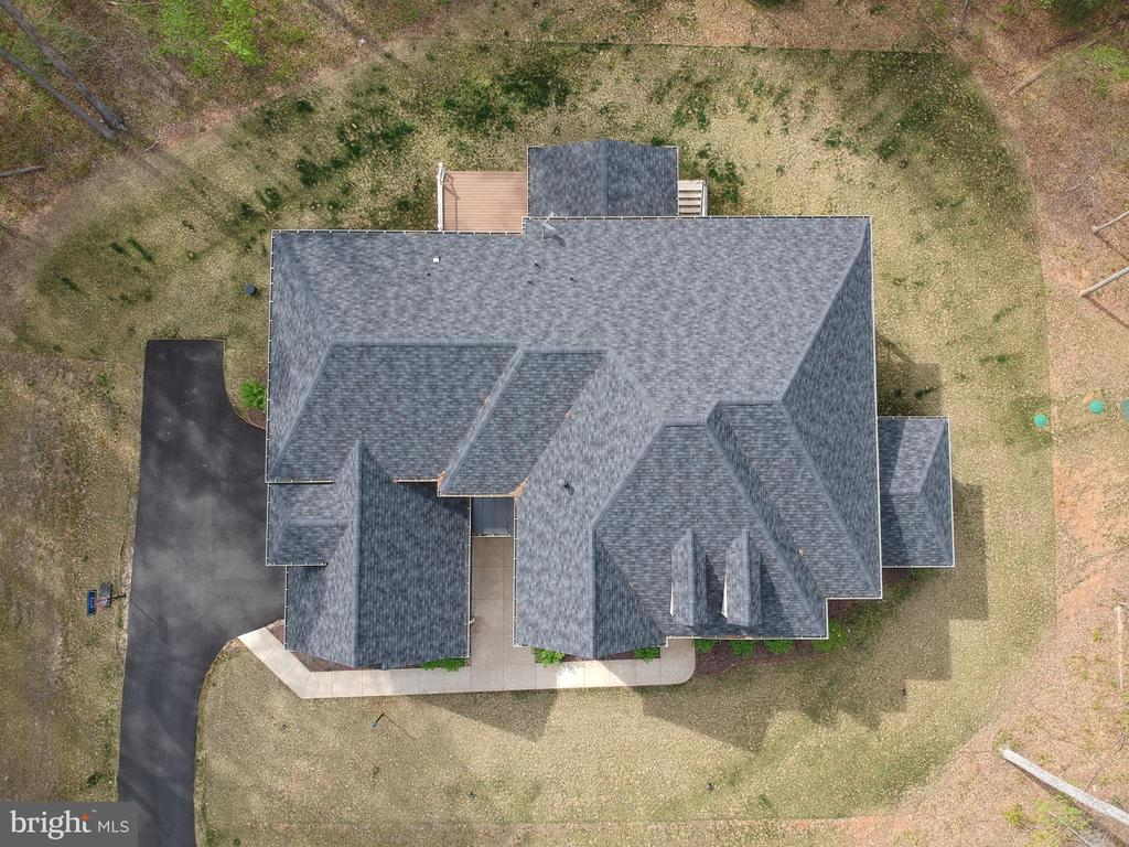 Ariel view of the hip style roof - 21 GLENVIEW CT, STAFFORD