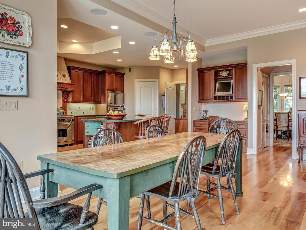 Family meals with views of Middletown Valley! - 7803 PICNIC WOODS RD, MIDDLETOWN