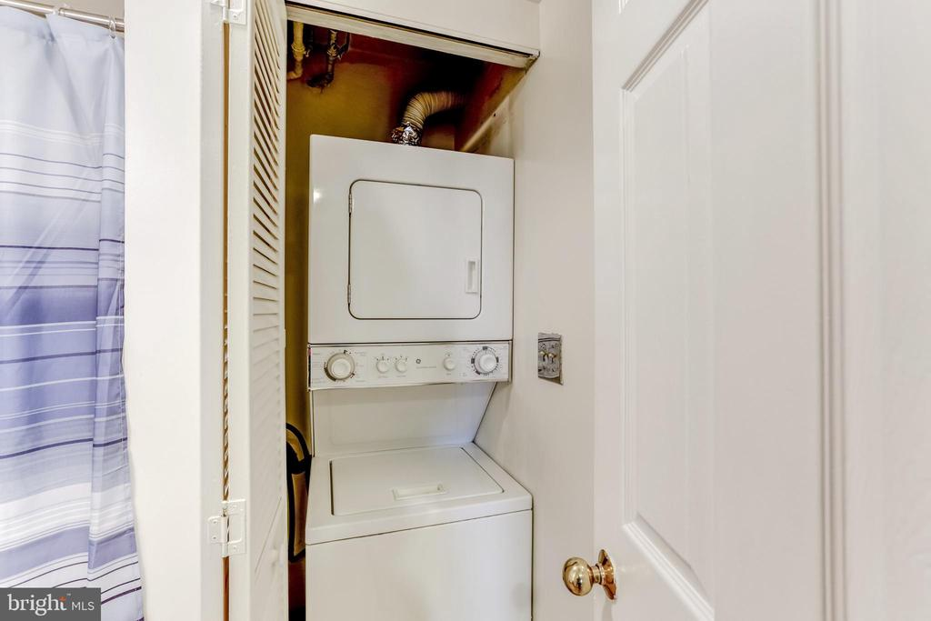 Washer/dryer located in the bathroom - 2400 CLARENDON BLVD #803, ARLINGTON