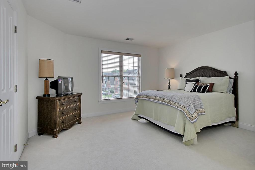 Bedroom 2 - 7874 PROMONTORY CT, DUNN LORING