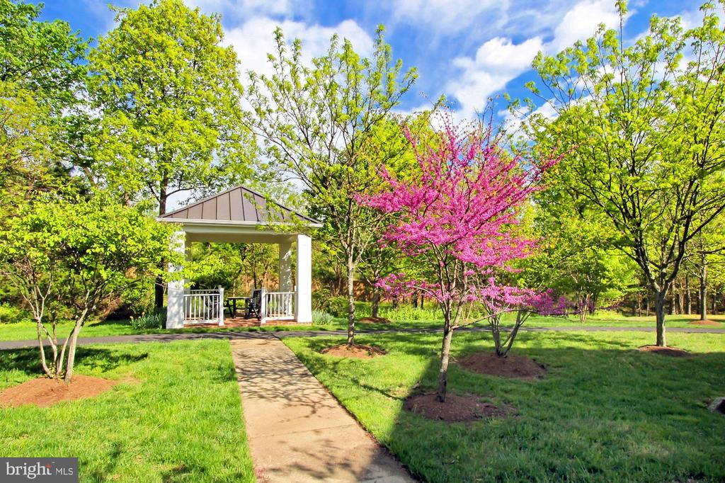 The Gazebo at the end of the Walkway - 7874 PROMONTORY CT, DUNN LORING