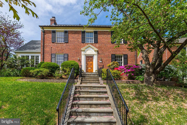 Single Family for Sale at 3121 Tennyson St NW 3121 Tennyson St NW Washington, District Of Columbia 20015 United States