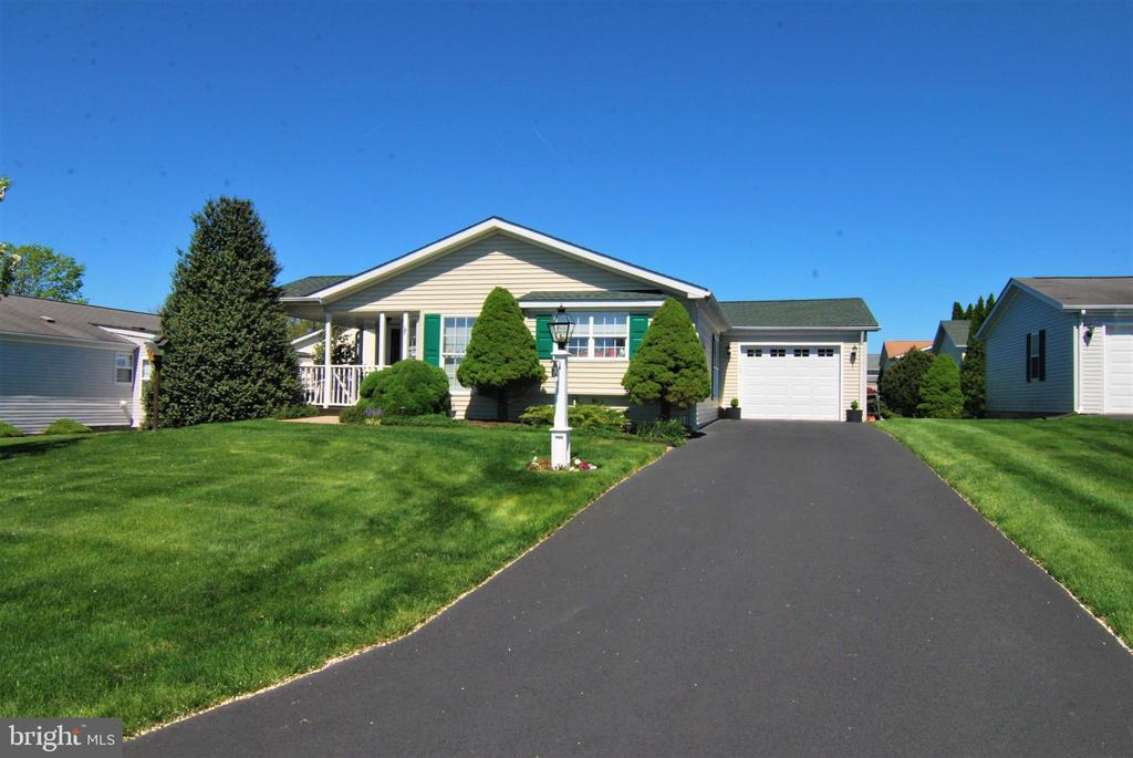 242  THRUSH CIRCLE, New Hope in BUCKS County, PA 18938 Home for Sale