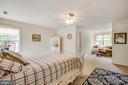 Master bedroom w/ sitting room - 15001 DOVEY RD, SPOTSYLVANIA