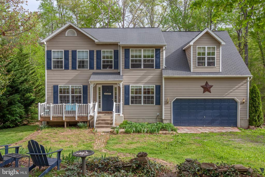 Over an acre of property w/ the lake a block away. - 15001 DOVEY RD, SPOTSYLVANIA