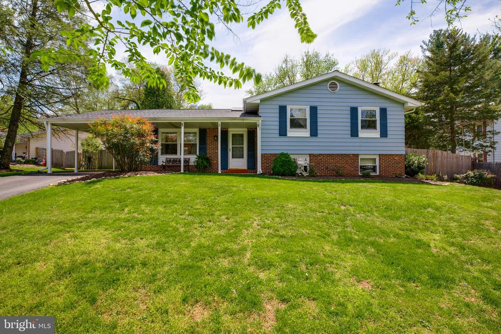 Welcome home! - 11340 RAMBLING RD, GAITHERSBURG