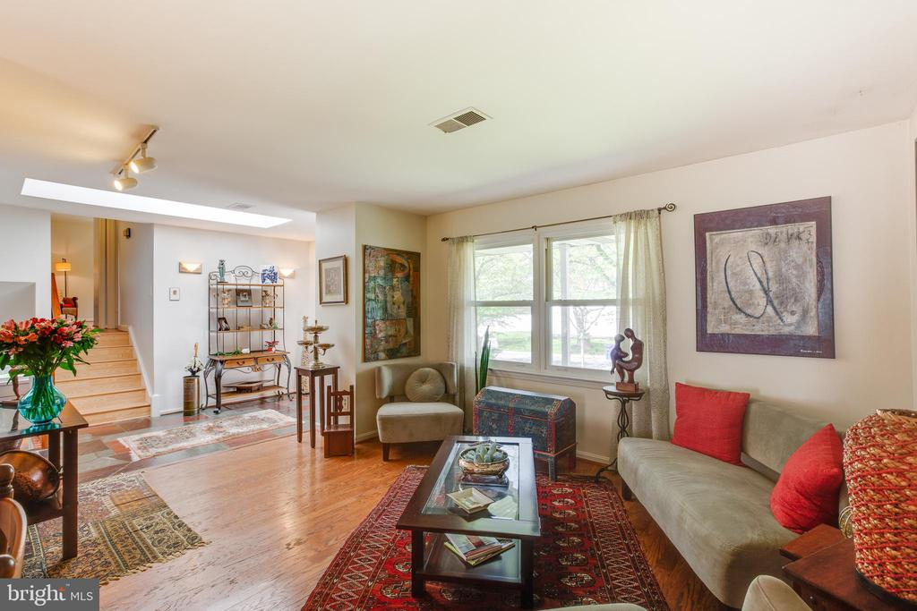 View from Living Room to Foyer - 11340 RAMBLING RD, GAITHERSBURG