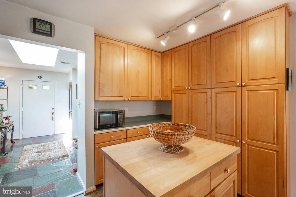 Kitchen - 11340 RAMBLING RD, GAITHERSBURG