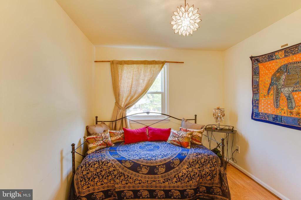 Bedroom 3 - 11340 RAMBLING RD, GAITHERSBURG