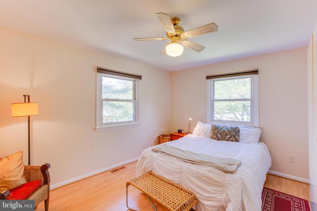 Bedroom 2 - 11340 RAMBLING RD, GAITHERSBURG