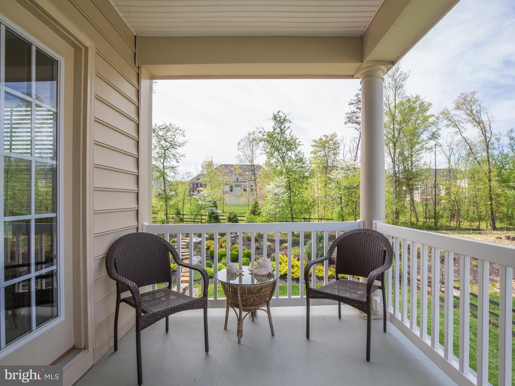 Maintenance free covered porch off of Master Suite - 41656 REVIVAL DR, ASHBURN