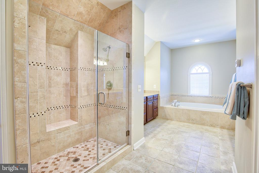 Master bath - 41656 REVIVAL DR, ASHBURN