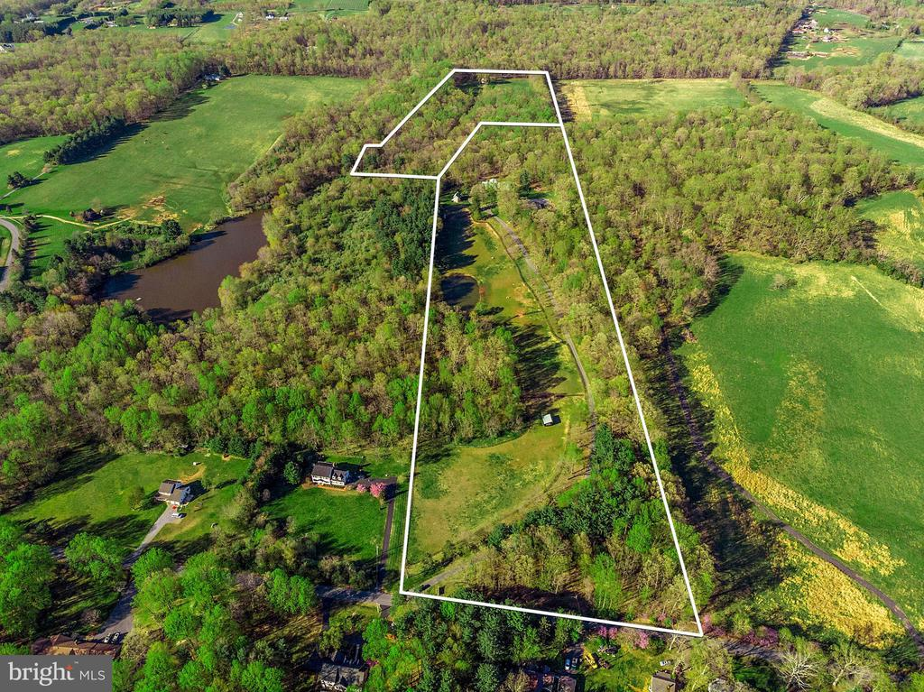 40 acres in two parcels - 43470 EVANS POND RD, LEESBURG