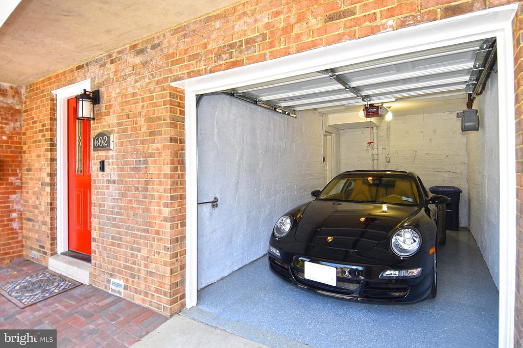 Garage/Front Door - 602 H ST SW, WASHINGTON