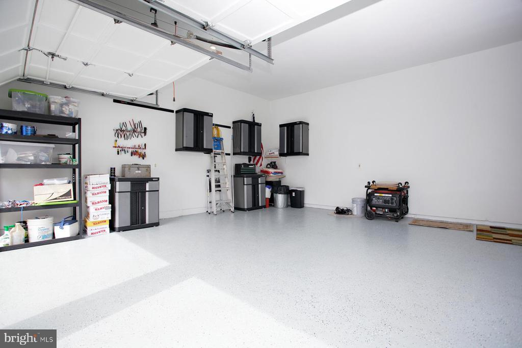 Garage with tons of space and storage - 29 BLOSSOM WOOD CT, STAFFORD