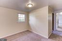 Lower level bedroom - 9505 FARMVIEW CT, FAIRFAX