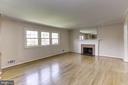 Living room - 9505 FARMVIEW CT, FAIRFAX