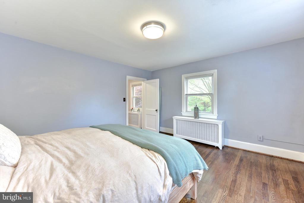 Upstairs Bedroom 1 - 1503 N EDISON ST, ARLINGTON