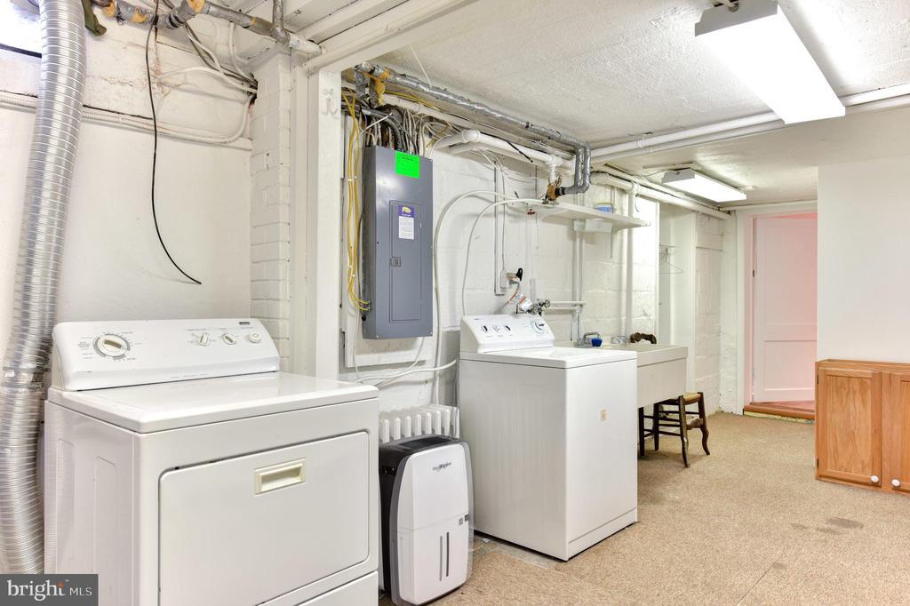 Basement Laundry - 1503 N EDISON ST, ARLINGTON
